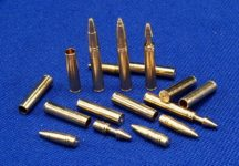 76,2mm L/42,5 F-34 & ZiS-5 3 x armour-piercing shell 3 x sub calibre armour-piercing 3 x high-explosive, 12 x shells T-34, KV-1