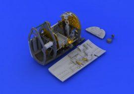 Spitfire Mk. VIII cockpit . - 1/48 - Eduard