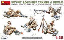 MiniArt - Soviet Soldiers Taking a Break