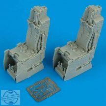 F-15E Strike Eagle ejection seats with safety belts - 1/32 - Tamiya