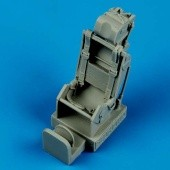 Sea Hawk ejection seat with safety belts