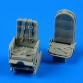 Ju 52 seats with safety belts