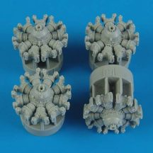 B-17G Flying Fortress engines for Revell