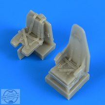 Mosquito seats with safety belts - Tamiya
