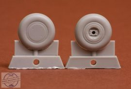 P-40 wheel set (plain 30) for P-40 B-M - 1/48