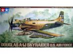 Douglas A-1J Skyraider - 1/48